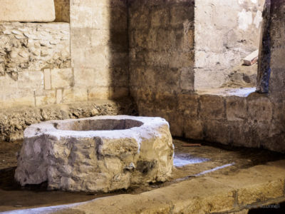 Crypt well 2